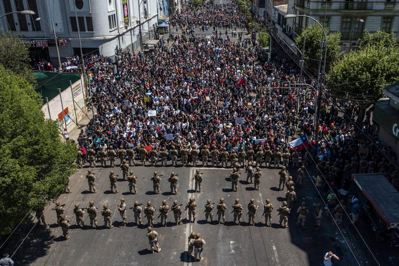 Η νεοφιλελεύθερη βόμβα εκρήγνυται στη Χιλή - Commonality